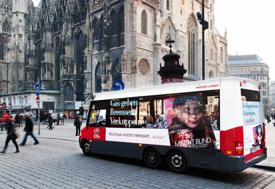 Gewista Stadtwerbung Bus mit Classic, Jumbo, Win