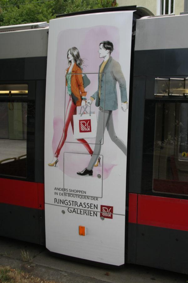 Gewista Stadtwerbung Strassenbahn ULF Steg