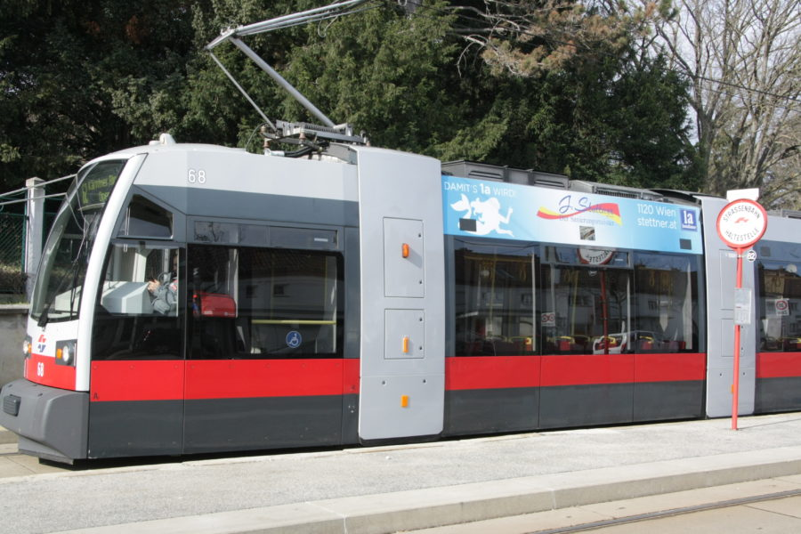 Gewista Stadtwerbung Strassenbahn ULF Sky