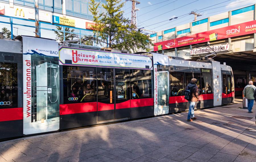Stadtwerbung-Straßenbahn-Heizung-Uhrmann_web